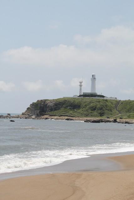 灯台と海3
