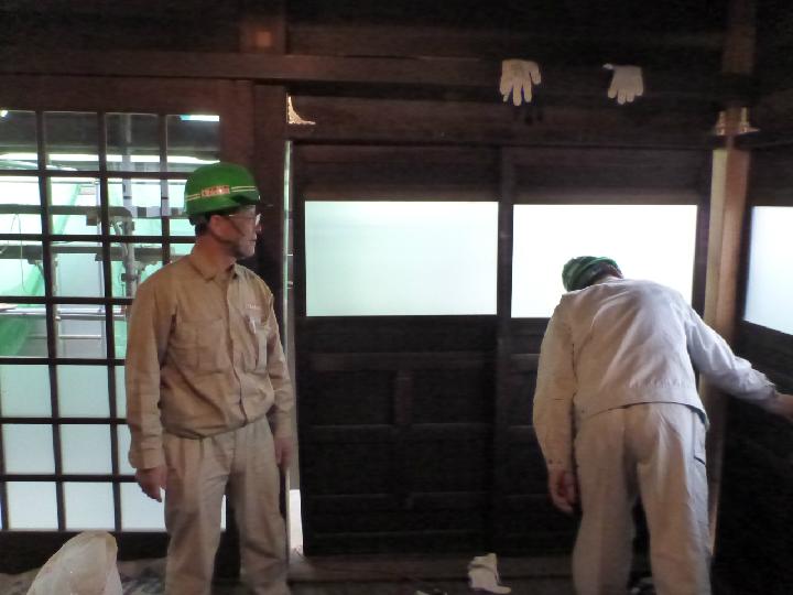 氷川神社引き戸