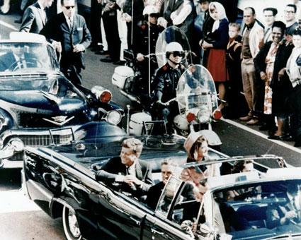 1963_JFK_limousine-in-Dalla.jpg