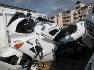 白バイ ホンダ VFR800P
