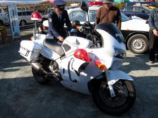 白バイ ホンダVFR800P