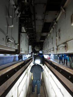 電車を上から下から見てみよう
