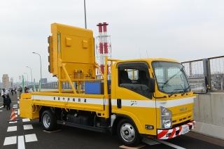 名古屋高速道路全線開通記念 わくわくサンキューウォーク 点検隊 標識車