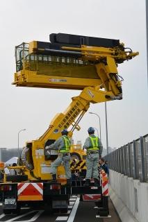 名古屋高速道路全線開通記念 わくわくサンキューウォーク 点検隊 橋りょう点検車