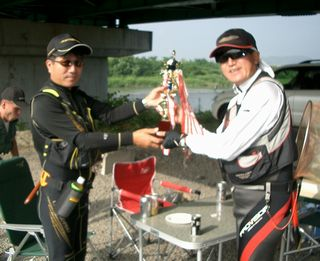 OFCCUP2010 トロフィー返還式32.jpg