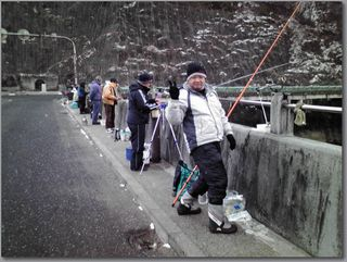 K湖公魚釣り風景.jpg