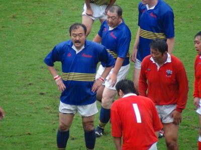 神戸製鋼 林選手(左)と新日鉄釜石 桜庭選手