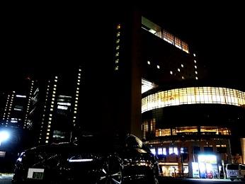 ラフレ埼玉 夜