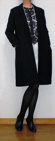 黒コート3