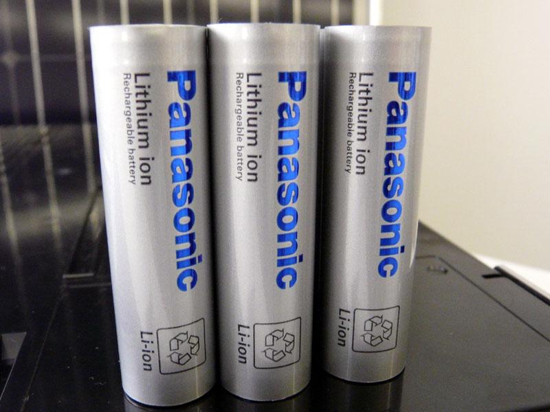 リチウムイオン電池は18650を採用、これを30万本以上利用している
