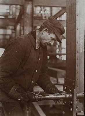 workman_400.jpg