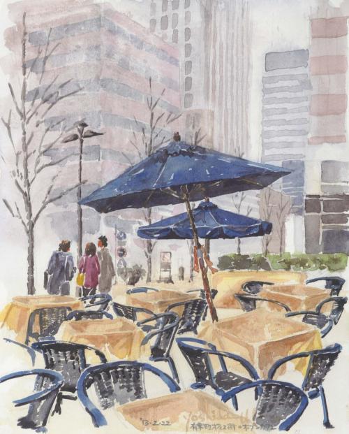 冬のオフィス街オープンカフェ