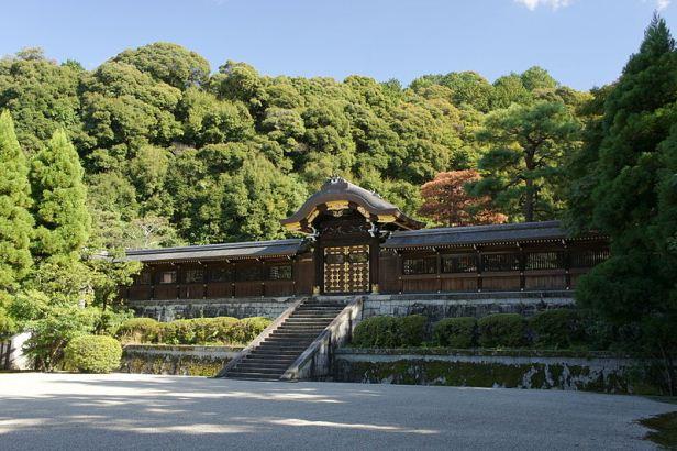 800px-Sennyuji_Kyoto11o4592月輪陵