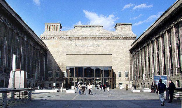 800px-Pergamonmuseum_Front.jpg