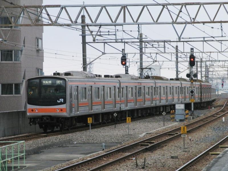 武蔵野線205系メルヘン顔