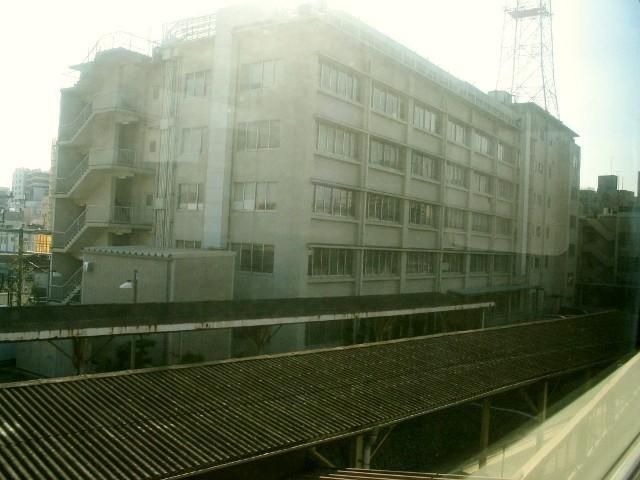 東武鉄道本社と増設ホーム