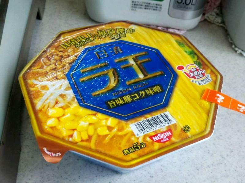日清ラ王 旨味豚コク味噌