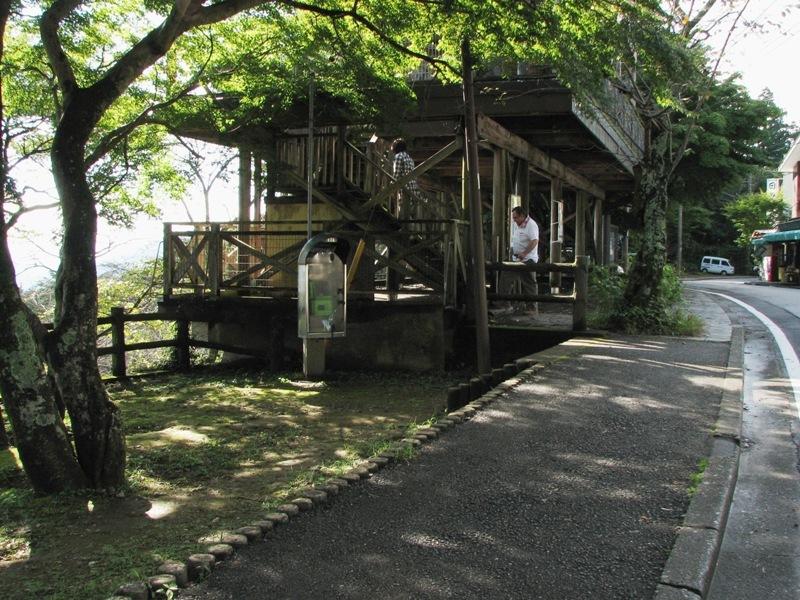 東京方面が見える木製展望台