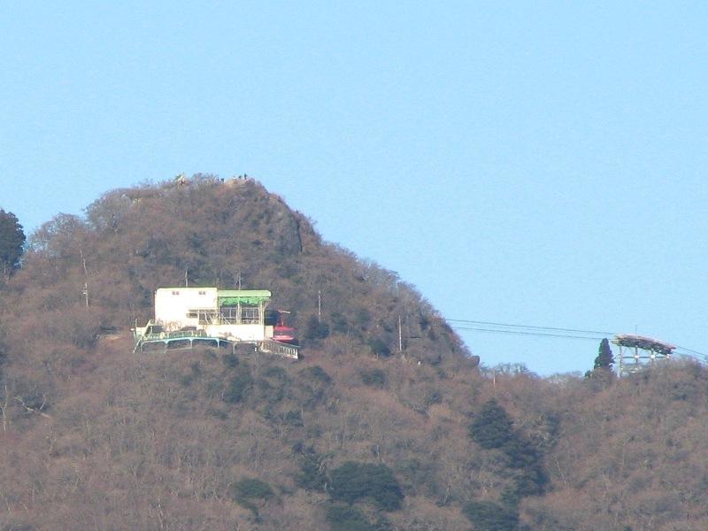 山頂のロープウェー