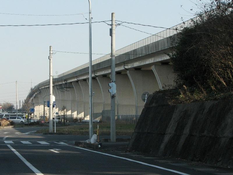北関東道の側道