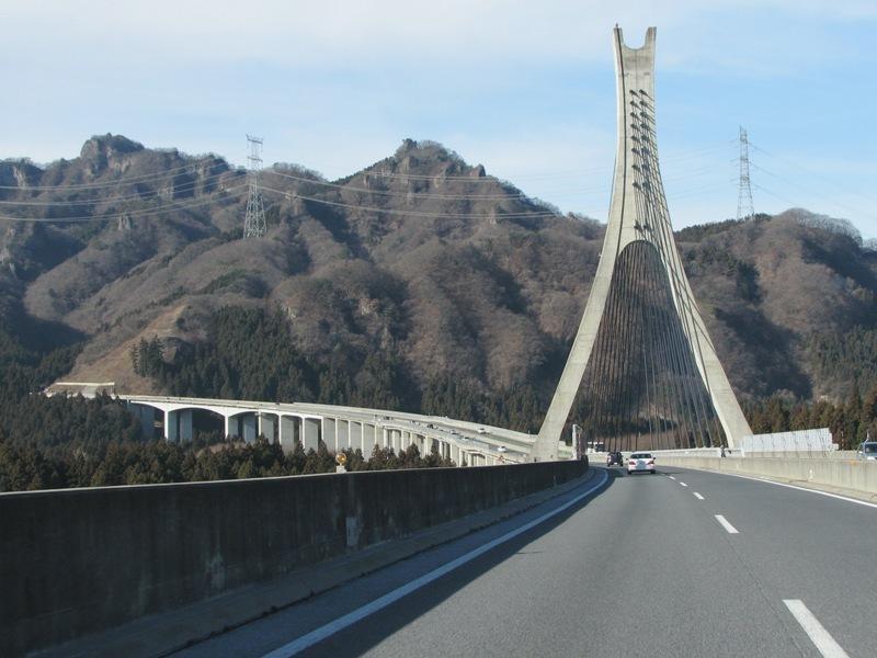 碓氷川にかかるつり橋