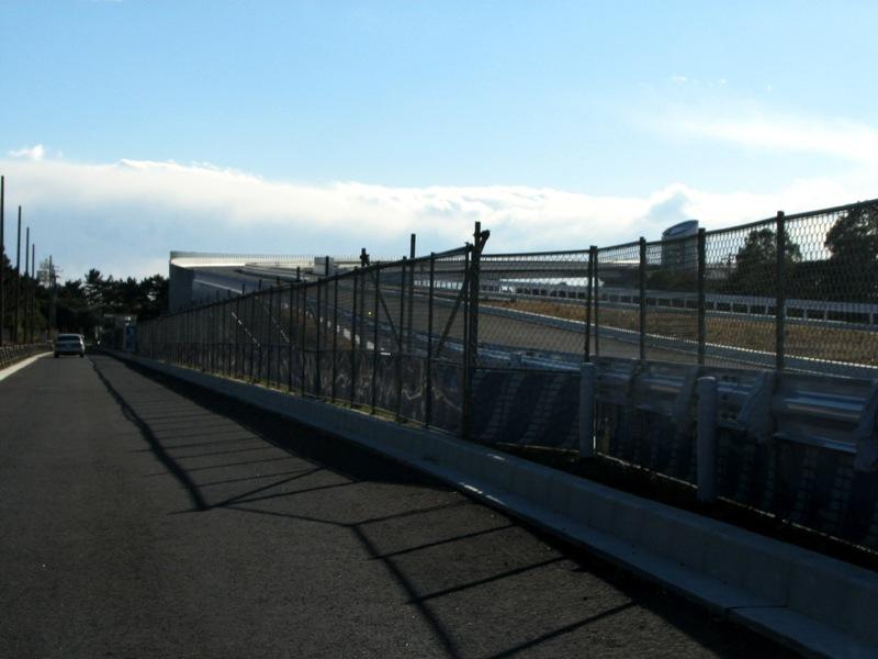 ゲートブリッジへのアプローチ