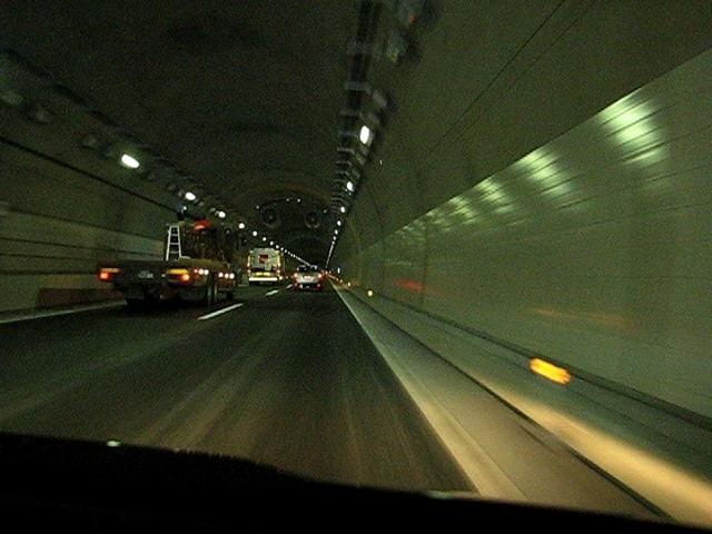 唐沢山城趾トンネル