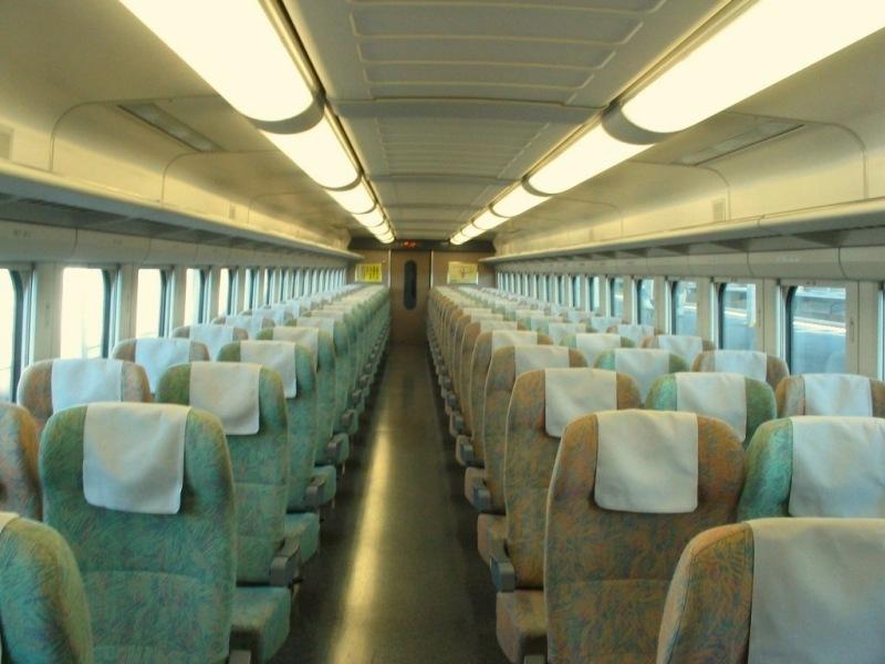 新幹線200系車内