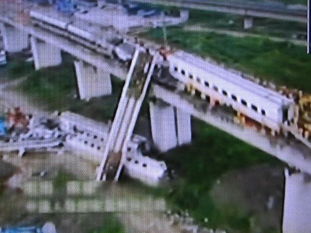 中国高速鉄道 事故現場