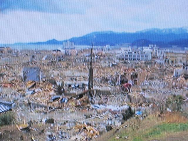 震災から1週間後の岩手県陸前高田市