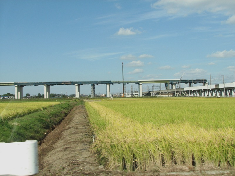 東北新幹線と圏央道
