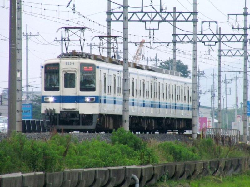 東武の3両編成列車