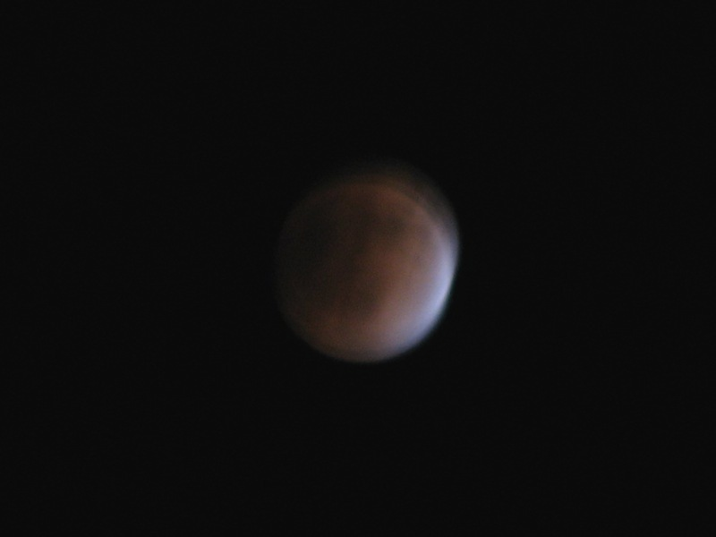 赤色に染まった月