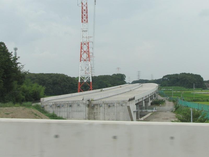 未完成の高架橋