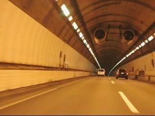 小仏トンネル