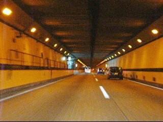 笹子トンネル内