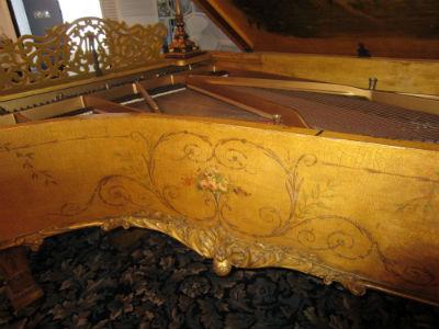 Antique piano2