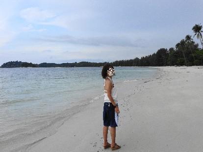 ニルワナビーチ散歩マキ2