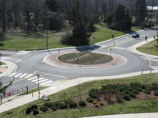 800px-2008_03_12_-_UMD_-_Roundabout_viewed_from_Art_Soc_Bldg_4_convert_20120909084923.jpg
