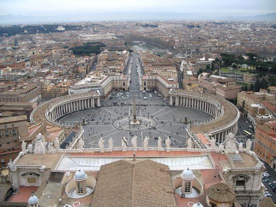 800px-Saint_Peter+s_Square_from_the_dome_convert_20120818074554.jpg