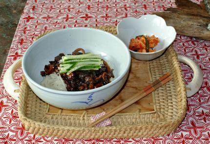 ジャジャ―麺