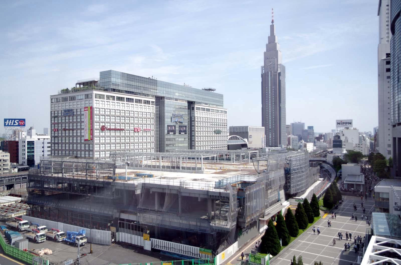 「新宿駅」的圖片搜尋結果
