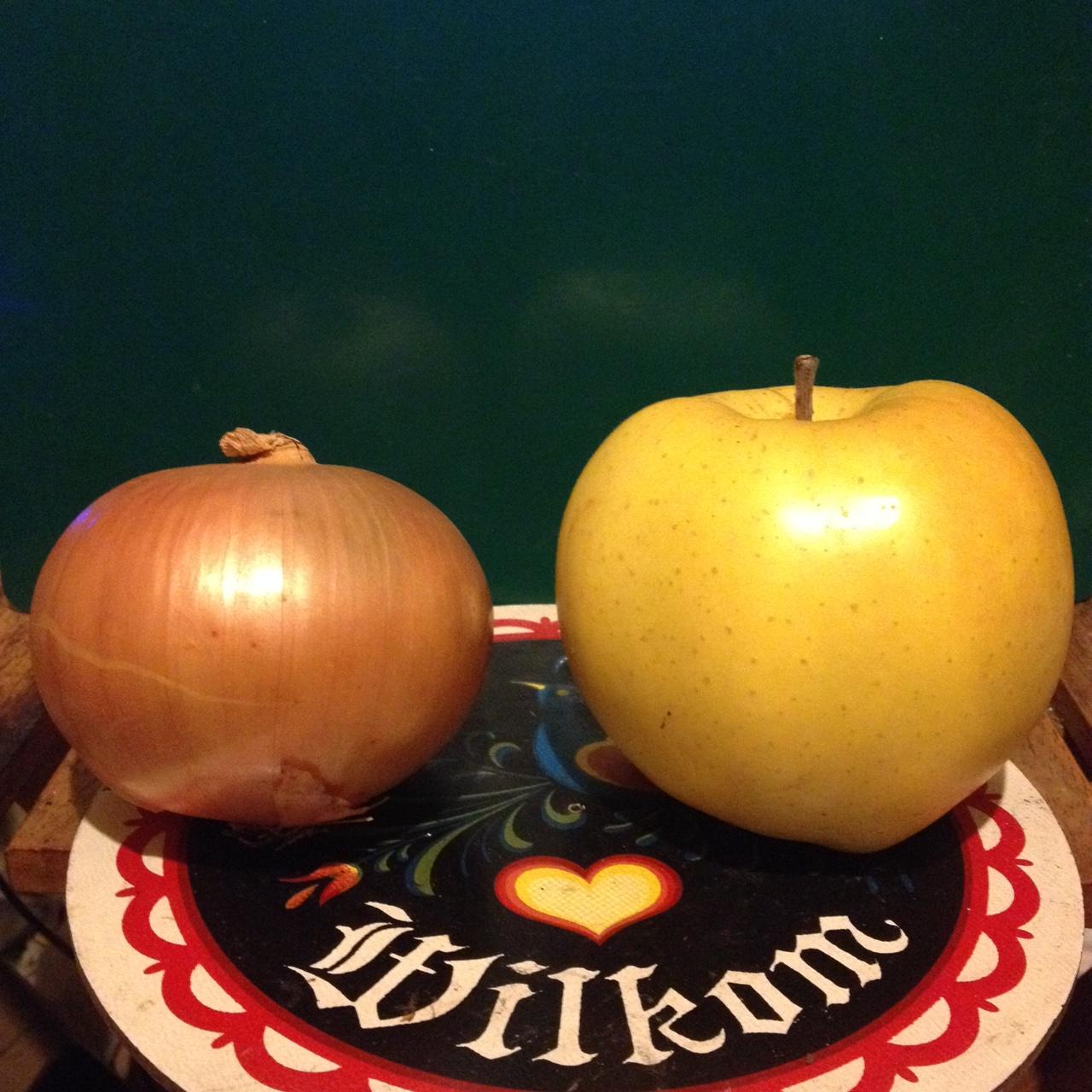 タマネギとリンゴ