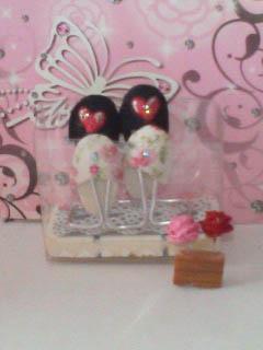 スリッパと薔薇ピン