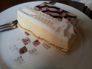 ギアスカフェ_ケーキ