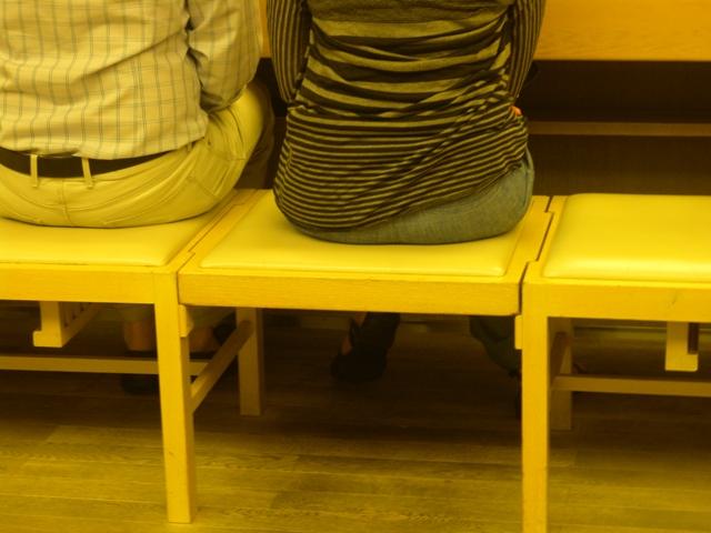 ベンチ椅子2
