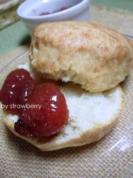 20120527スコーンby苺酵母1