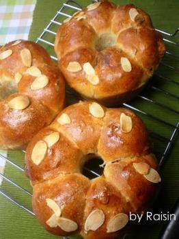 20120623アーモンドとレーズンのパンbyレーズン酵母