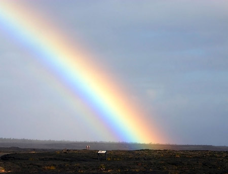 Rainbow_at_Big_Island_of_Hawaii.jpg