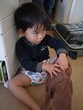 121125_ズボン履く (2)